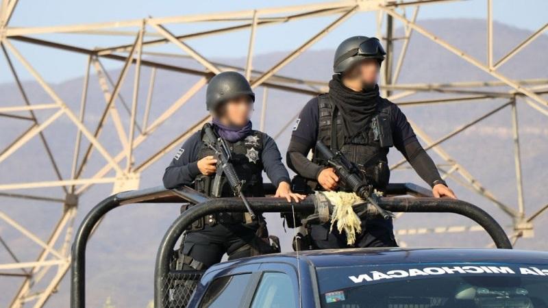 Personal de la Policía Michoacán decomisó 314 armas y 11 artefactos explosivos