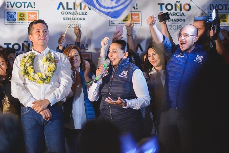Soy una mujer trabajadora y transparente, lucharé para mejorar la seguridad en el país y Michoacán; seré defensora de los migrantes, artesanos, campesinos y las mujeres