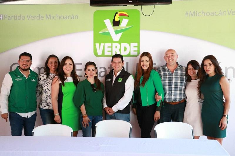 """Núñez Aguilar refirió que los 12 candidatos a diputaciones federales y senadurías """"son los más preparados y fueron seleccionados conforme a su alta competitividad, entrega y responsabilidad"""""""
