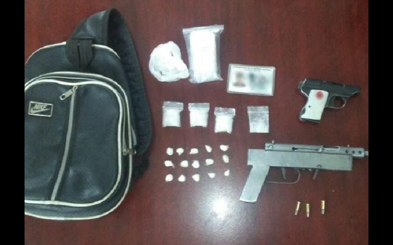 Los detenidos fueron identificados como José Everardo R., de 31 años de edad; José Juan E., de 33, y Luis Fernando T., de 29