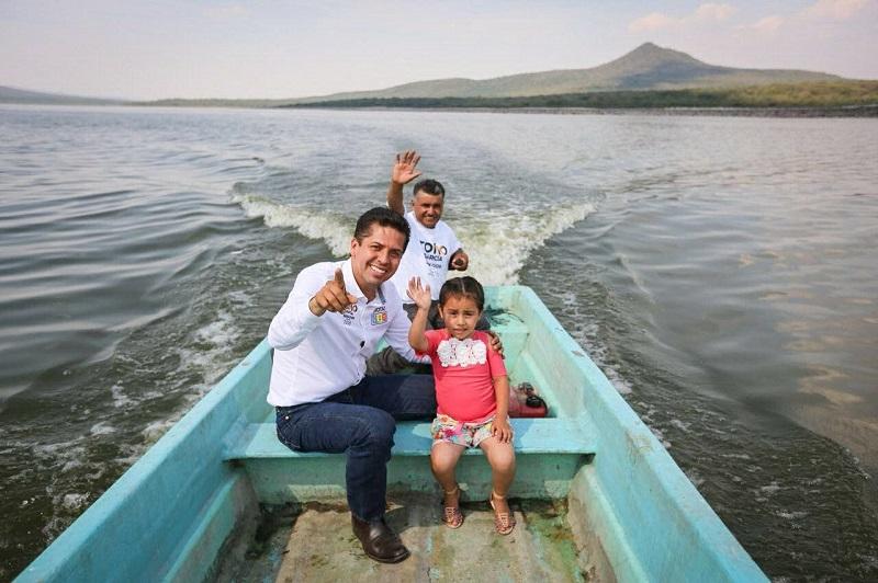 Toño García se comprometió a trabajar de manera cercana con los productores pesqueros michoacanos y con todos los sectores productivos del estado