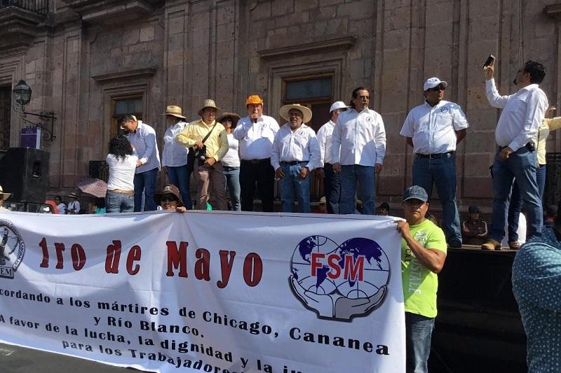 Javier Maldonado Torres recordó a los mártires de Chicago, Cananea y Río Blanco, que dieron su vida para dejar los derechos laborales, los cuales dijo, se han perdido poco a poco