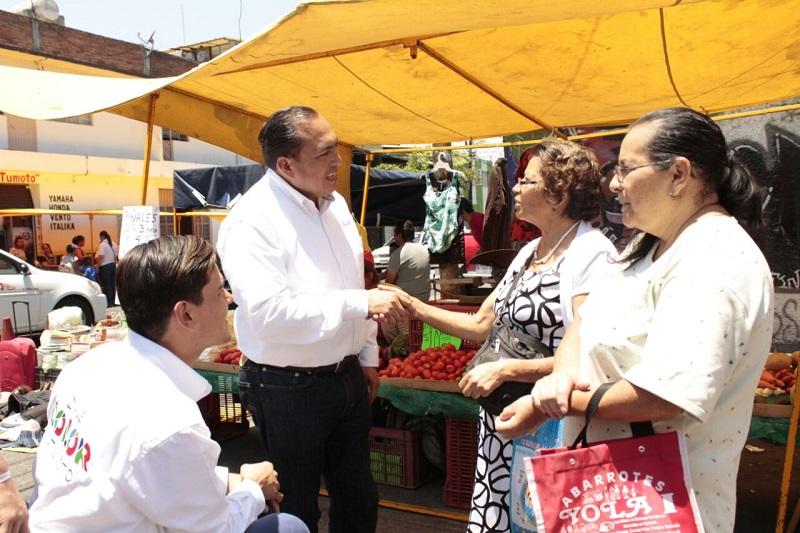 El objetivo primordial, refirió Color Gasca es que cada uno de los michoacanos y sobre todo los habitantes del Distrito 10 cuenten con salud, educación e inclusión y seguridad financiera y Morelia se pinte del Color del bienestar