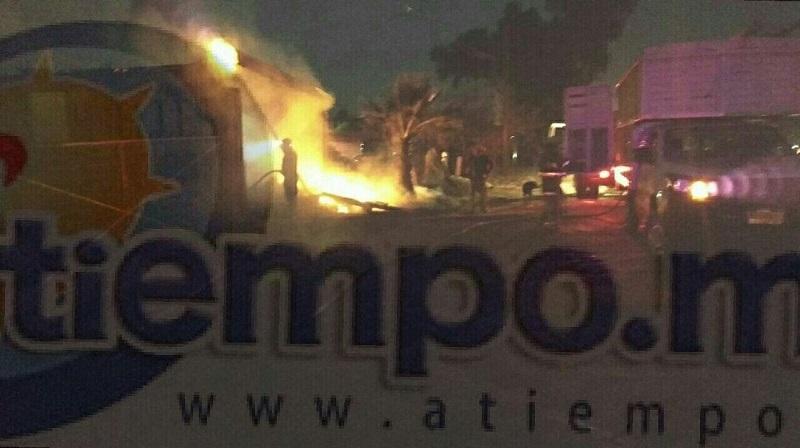 Al lugar acudieron elementos de la Policía Michoacán, así como bomberos de Protección Civil Tarímbaro, los cuales tuvieron que realizar una entrada forzada para ingresar y controlar el incendio