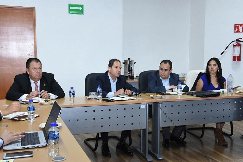 El secretario de Desarrollo Económico, Jesús Melgoza Velázquez, explicó que es indispensable optimizar el funcionamiento de las pymes para atender satisfactoriamente a empresas de la ZEE y su área de influencia