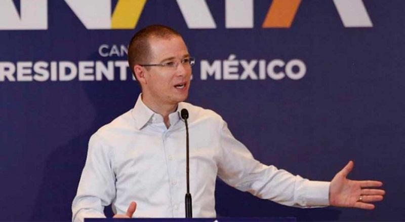 """""""Lo que sucede (…) es que a partir del debate ha estado muy inestable, ha estado muy agresivo y por eso es que ahora busca revivir estas teorías del complot, que ya le habíamos escuchado hace muchos años"""", señaló Anaya Cortés"""