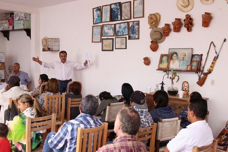 Raúl Morón enfatizó que el comercio en mercados genera economía de gran escala, por ello cuando esté en campaña establecerá compromisos puntuales para impulsarlos