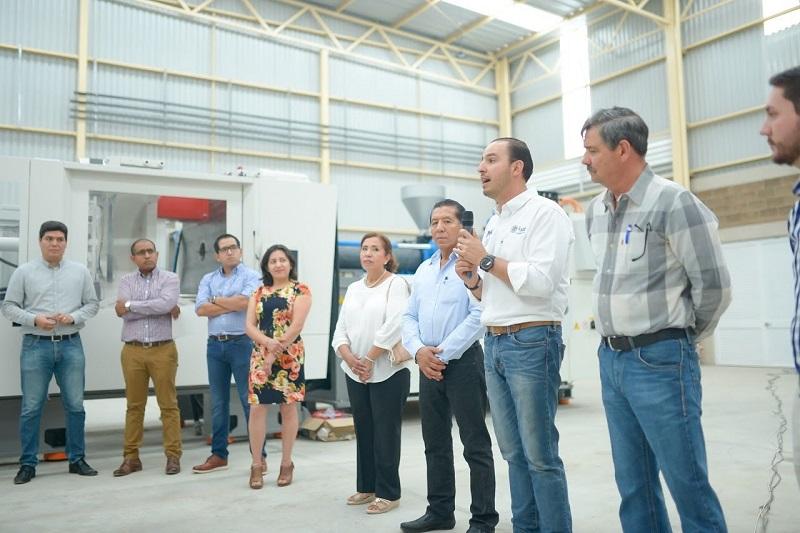 El gobierno debe ser un facilitador, no un ayudador, debe evitar la corrupción, quitar los trámites y dar todas las facilidades para generar inversión y reinversión: Cortés Mendoza