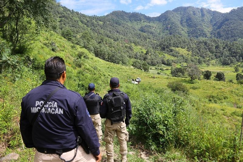 Derivado de operativos en las diferentes zonas del territorio michoacano, han sido aseguradas 399 armas de fuego, 947 cargadores y 28 mil 291 cartuchos para distintos calibres, así como 26 artefactos explosivos