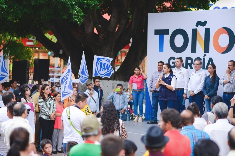 Acompañada de Antonio García Conejo, Alma Mireya González afirmó que con esta unión se refrenda el proyecto que encabeza Ricardo Anaya