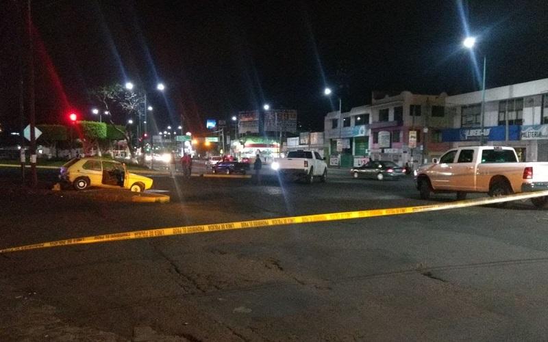 El lugar fue resguardado por elementos de la Policía Michoacán y Ministerial, mientras personal de la Unidad Especializada en la Escena del Crimen (UEEC) realizaba las actuaciones correspondientes