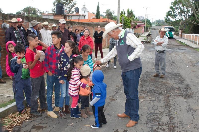 Rivera Calderón escuchó de primera mano las inquietudes de familias de dichas colonias, quienes en muchos casos se encuentran en un alto grado de marginación, o carecen de servicios públicos municipales