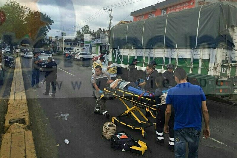 El conductor del tráiler fue detenido por civiles y entregado a las autoridades
