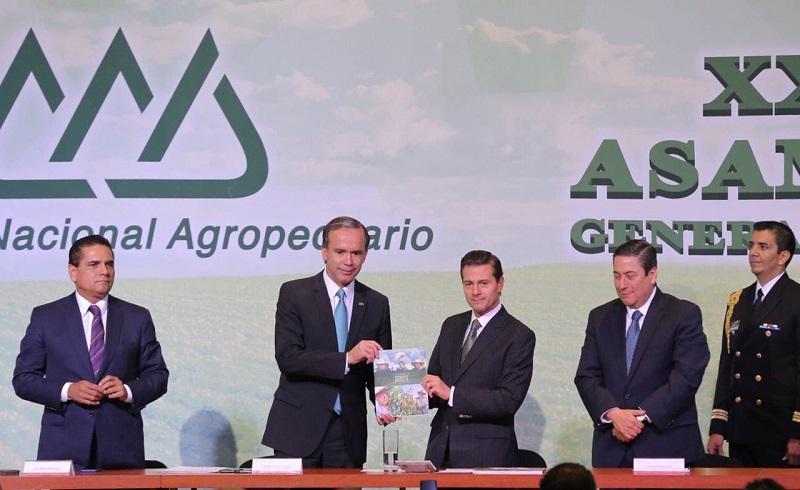 El titular del Ejecutivo en Michoacán recordó que la entidad también mantiene el liderazgo en la producción y exportación de aguacate en México