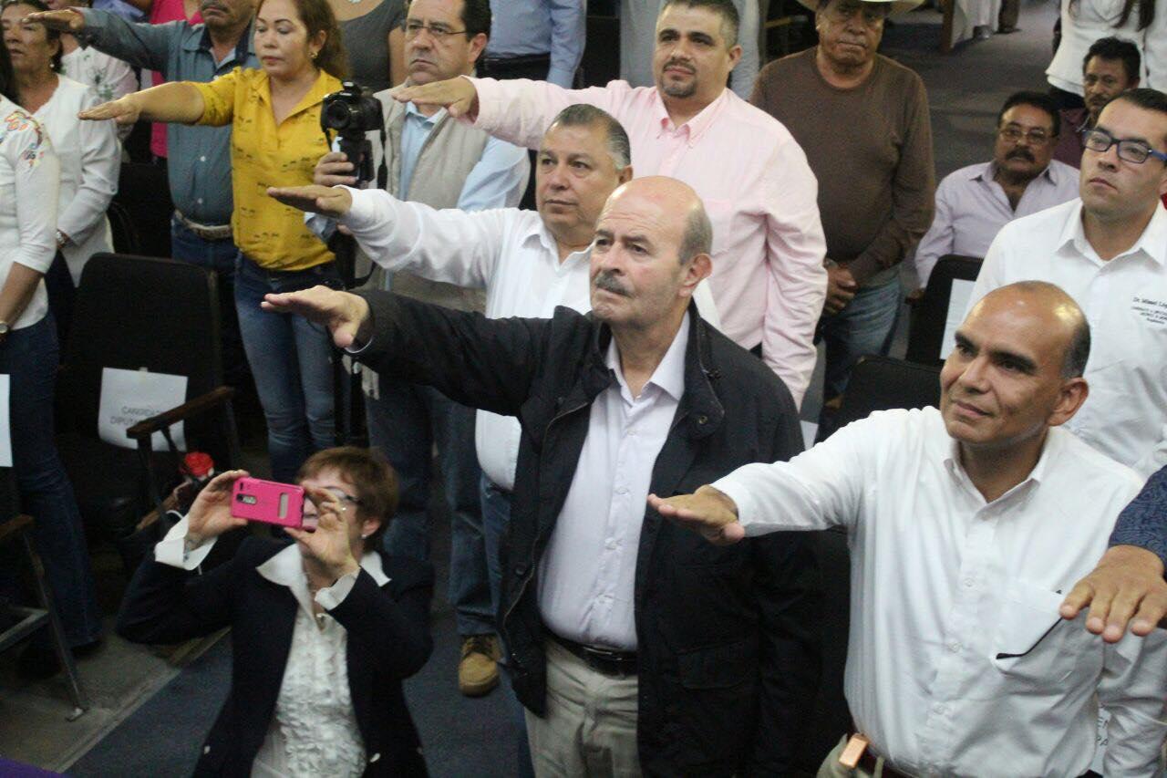 En su discurso, el dirigente del PES, Javier Valdespino, recordó que el partido en el estado competirá por segunda ocasión en una elección con cuadros inteligentes, jóvenes y con experiencia, que dijo, garantizarán el triunfo en la elección del 1 de julio próximo
