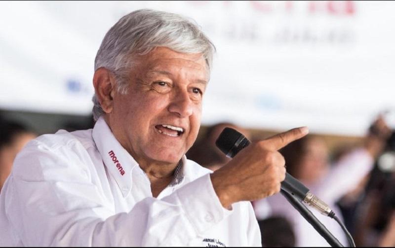 """""""Además de que es una irresponsabilidad actuar así, él es muy imprudente, es lo menos que se puede decir, pero si está mal informado, sería bueno que conociera las encuestas"""", indicó López Obrador"""