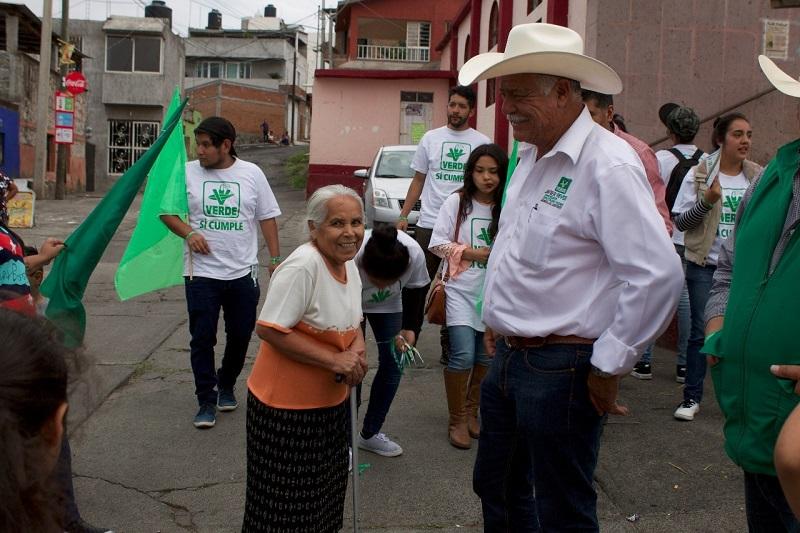 """""""Apoyar a una mujer para lograr sus objetivos, es hacer crecer a Morelia"""", afirma Rivera Calderón"""