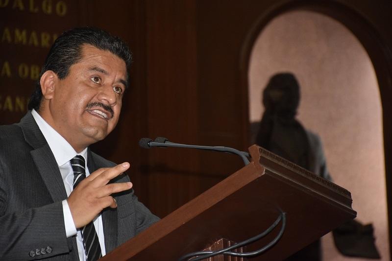 López García expuso que el espíritu de las reformas son crear las condiciones de infraestructura y educativas para incrementar el fomento del uso de la bicicleta y evitar de alguna forma el abuso que se hace del automóvil