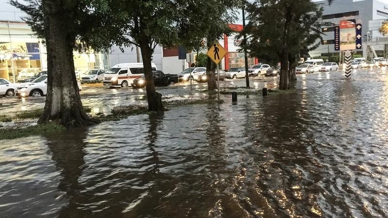 Es obvio que existe un abandono del gobierno de Alfonso Martínez a la infraestructura municipal, a la que se ha dejado de dar el mantenimiento preventivo y correctivo requerido: Miguel Ángel Chávez