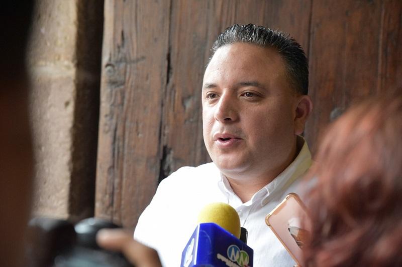 Los tres niveles de gobierno deben sacar las manos de las contiendas, señaló Carlos Quintana