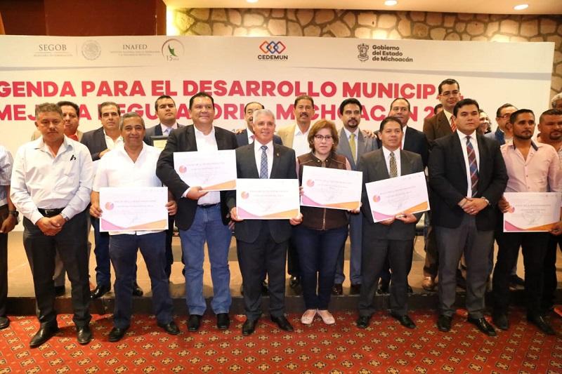 Reconocen a los 13 municipios que se han integrado a este proyecto