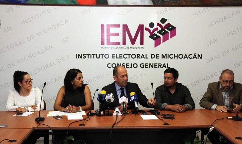 El consejero presidente del Consejo General del IEM, Dr. Ramón Hernández Reyes, recordó en rueda de prensa que desde 2011 Cherán se rige por sistemas normativos propios