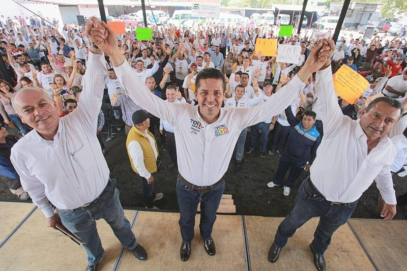 """""""Sabemos que debemos trabajar en el mejoramiento del servicio que ofrece el transporte público, y también en eso nos vamos a enfocar"""", agregó Antonio García Conejo"""