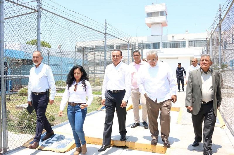Sigala Páez dijo que se trabaja para tener a la brevedad los espacios, y con ello poder agilizar los trabajos del Poder Judicial y con esto coadyuvar para que los internos puedan atender con oportunidad su situación procesal