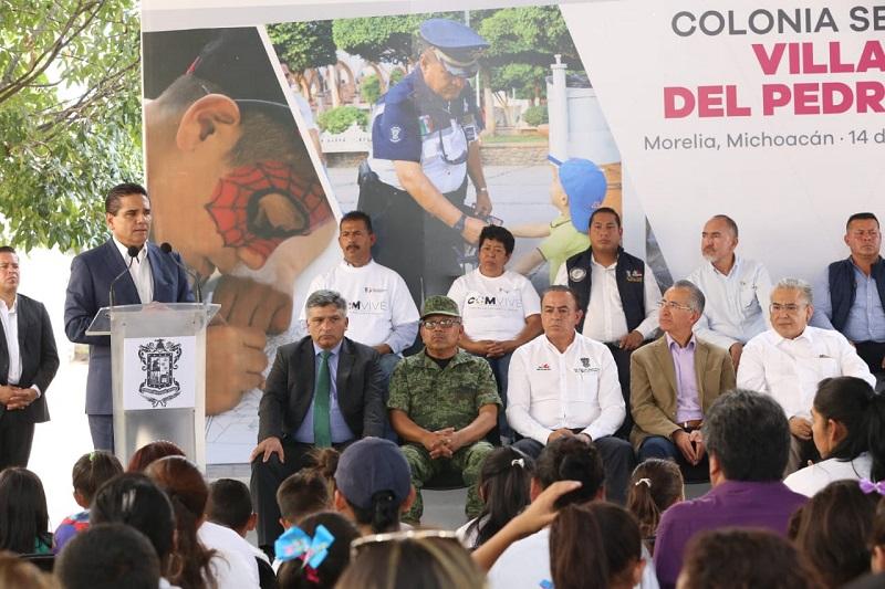 El gobernador Silvano Aureoles encabezó la presentación en el Fraccionamiento Villas del Pedregal