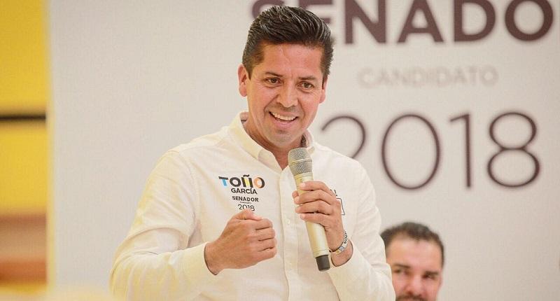 En reunión con la estructura perredista de la región Oriente del estado, dijo estar listo para representar a Michoacán en la Cámara Alta, y adelantó un triunfo contundente de la coalición que abandera