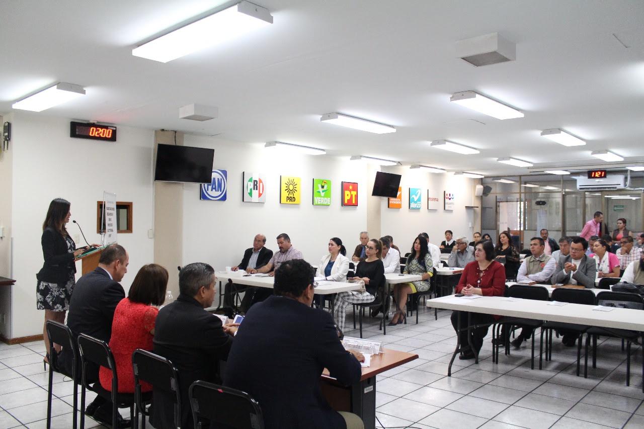 La directora de Asuntos Religiosos, Tere Vega Campa, agradeció la respuesta de los diferentes líderes que asistieron al evento, así como a las autoridades electorales por sumarse a este esfuerzo institucional