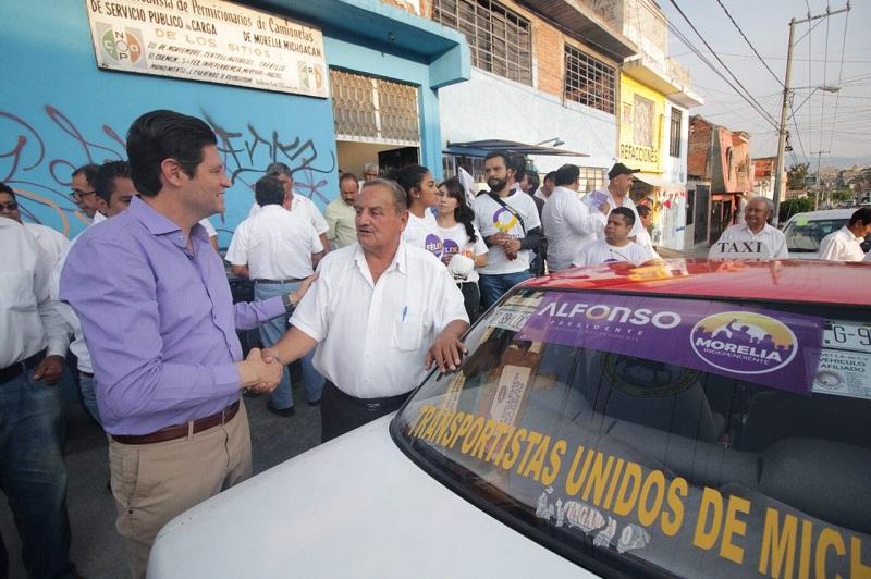 Martínez Alcázar, exhortó a los presentes a apoyar el proyecto que dará continuidad a las acciones y programas de los últimos casi 3 años