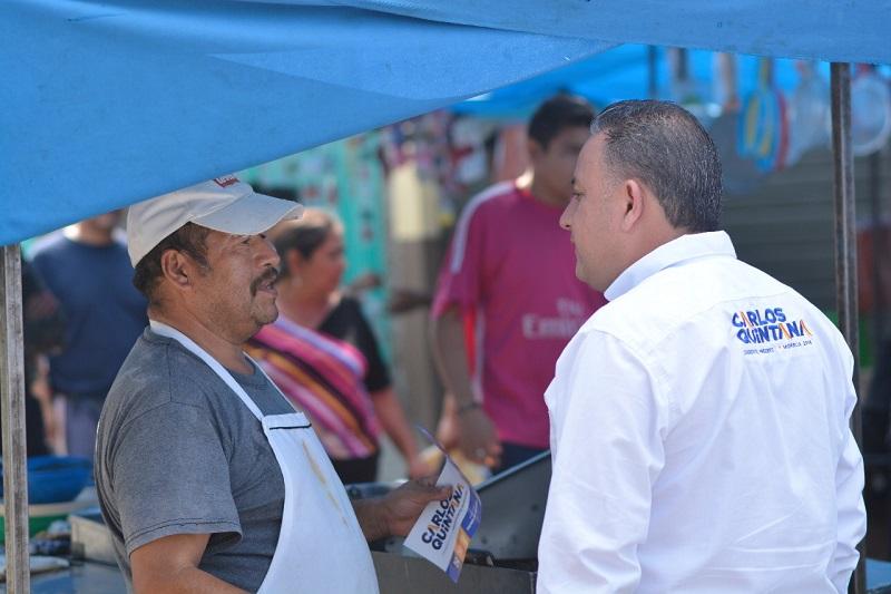 Los habitantes de la colonia 18 de mayo solicitaron a Carlos Quintana que al ser alcalde garantice seguridad, mejores vialidades y construcción de puentes