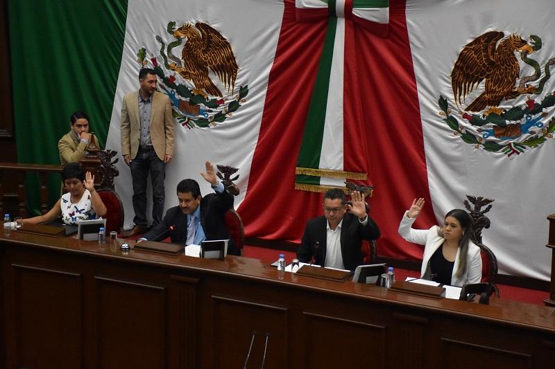 En otro punto del orden del día, el Pleno de la LXXIII Legislatura aprobó la incorporación del diputado Enrique Zepeda Ontiveros, como Vicepresidente de la Mesa Directiva del Congreso del Estado