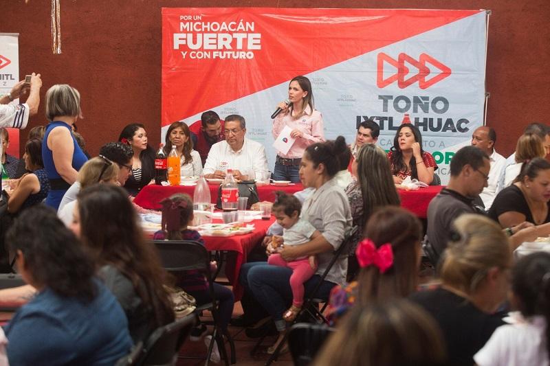 """""""Actualmente las 38 clínicas están abandonadas y si realmente queremos abatir la inseguridad no va a ser suficiente con policías, debemos apostarle a la prevención en las adicciones, prevención en la salud"""": Daniela de los Santos"""