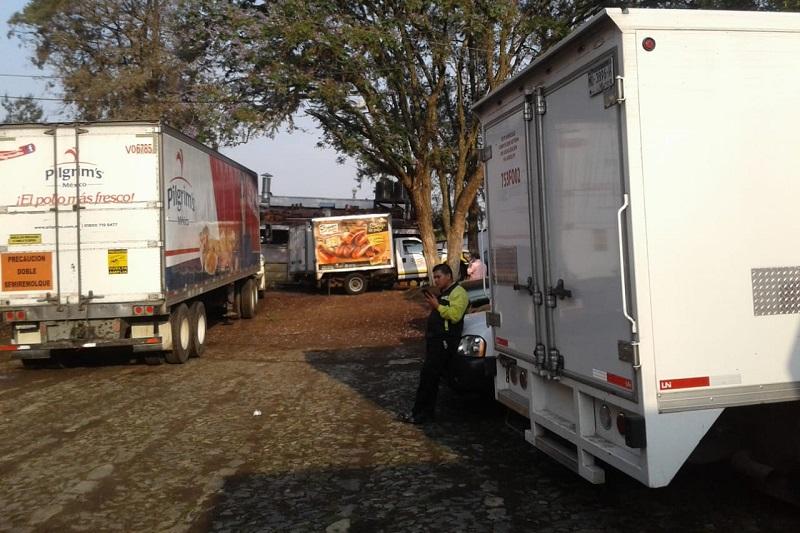 Se han apoderado de camiones repartidores de Conti, Marinela, Bimbo, Coca Cola y Pilgrims, sin descartar que tengan otras unidades secuestradas