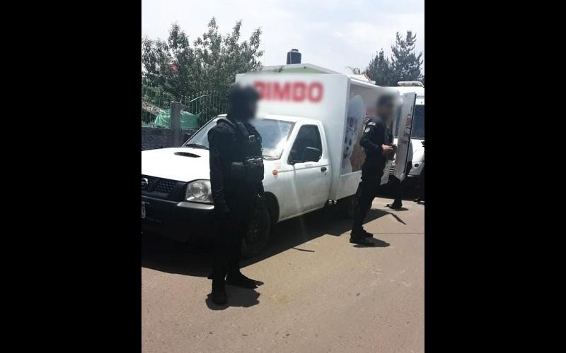En la zona se mantiene presencia policial para preservar el orden y garantizar la seguridad de quienes transitan por la vía de comunicación