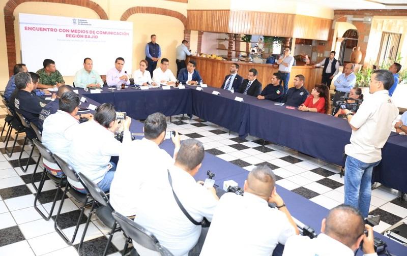 Aureoles Conejo sostuvo un encuentro con representantes de los medios de comunicación de la Región Bajío, en la que estuvo acompañado de la titular de la CGCS, Julieta López Bautista