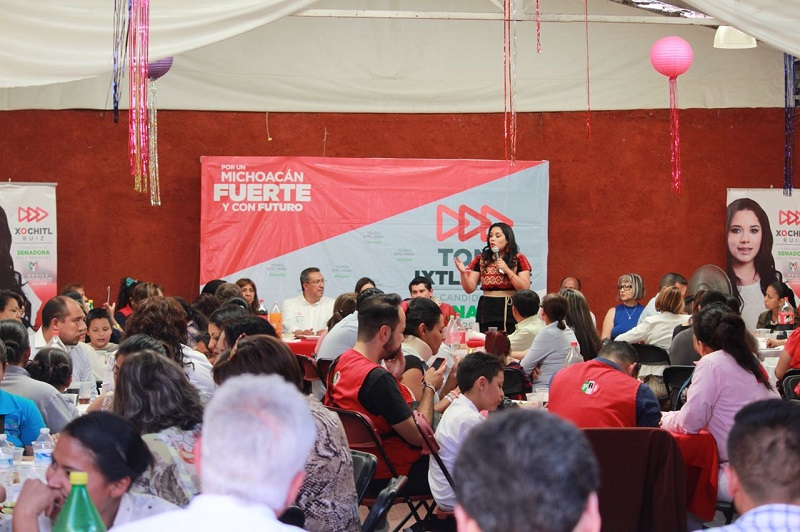 Xóchitl Ruiz señaló que uno de los compromisos al llegar al senado será promover acciones para que la Federación realice compras directas de medicamentos y estos se distribuyan a las clínicas estatales