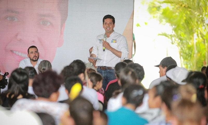 Toño García subrayó que como senador de la República buscará erradicar la problemática que impera en los municipios y comunidades que no cuentan con conexiones carreteras acordes a sus necesidades
