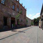 El Ayuntamiento de Morelia precisó que las esculturas no eran de su propiedad, sino del reconocido escultor Javier Marín el cual de manera generosa las prestó sin precisar el tiempo que estarían colocadas en la zona