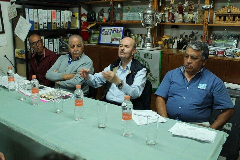 Vallejo Figueroa recordó a deportistas que durante los periodos en los que ha estado al frente del Ayuntamiento moreliano ha impulsado acciones de gran calado