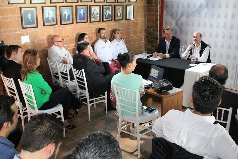 El cuatro veces alcalde resaltó que es necesario que el gobierno estatal entregue al municipio la totalidad de Ciudad Industrial para que éste se responsabilice de las necesidades de esa zona olvidada por las autoridades