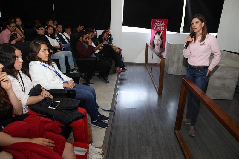 La candidata se comprometió con los jóvenes a mejorar las condiciones de seguridad, vialidad y oportunidades dentro de su administración una vez se dé el gran paso por Morelia de la mano de los ciudadanos