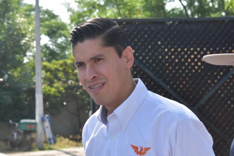 Paredes Andrade remarcó que Alfonso Martínez y su pandilla de candidatos independientes a diputados locales son sólo independientes de los partidos, pero no son ajenos al manejo de recursos públicos