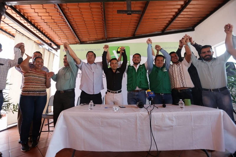 Por su parte, Sergio Ramírez señaló que en un acto de dignidad decidió separarse del partido político por el que contendería en este proceso electoral, sin embargo las condiciones no lo permitieron