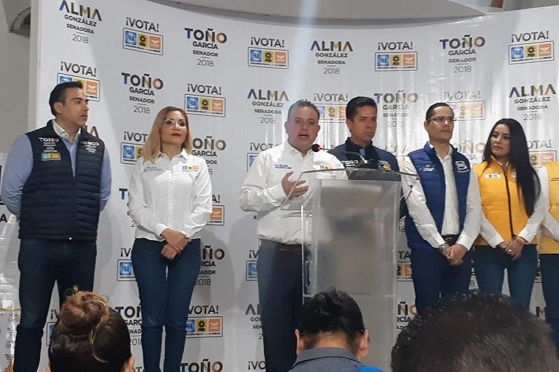 Necesitamos mandar un mensaje claro y contundente a los morelianos que los candidatos estamos unidos y comprometidos en un tema que nos lastima y que nos preocupa a todos: Carlos Quintana