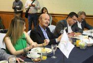 El cuatro veces alcalde denunció que hay una serie de hampones que, en contubernio con las propias autoridades independientes, atentan contra el crecimiento ordenado de Morelia