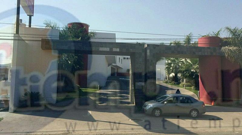 Informaron fuentes policíacas que nuevamente fueron alertados que en Villas del Oriente se encontraba una joven de 18 años lesionada por impactos de arma de fuego