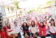 Xóchitl Ruiz, precisó que en esta noble región, se requiere de fuentes de empleo que ayuden a palear la pobreza y por ello pidió el apoyo para el candidato presidencial Pepe Meade